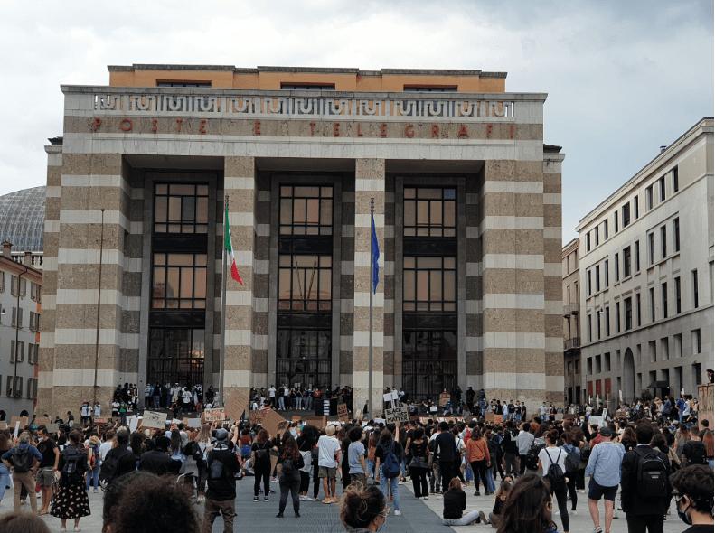 Brescia, il web e George Floyd