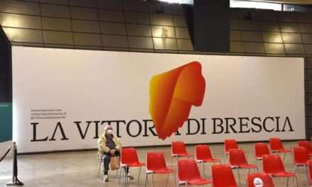 La Vittoria Alata accompagna i cittadini bresciani al Centro Vaccinale Hub Fiera